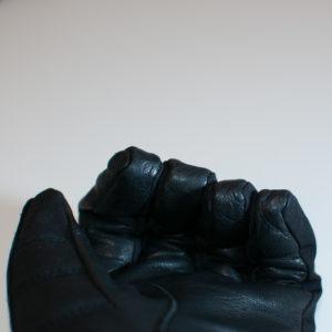 Wolf Paw - Inga sömmar på fingertopparna utan lädret är vikt upp på fingret